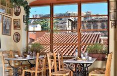 Το ιστορικό καφενείο της Αθήνας που ύμνησε ο Ξυλούρης και λάτρεψε ο Χανς Κρίστιαν Άντερσεν