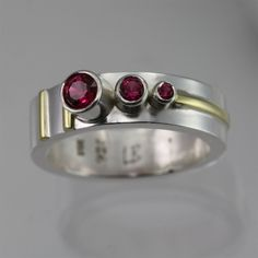 3 Stone Sequence Ring 14K (Ruby)