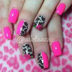 unhas decoradas com oncinhas rosa e preto