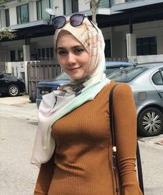new Ideas for fashion outfits summer modest – Hijab Club Hijabi Girl, Girl Hijab, Hijab Outfit, Ootd Hijab, Modern Hijab Fashion, Islamic Fashion, Beautiful Muslim Women, Beautiful Hijab, Muslim Beauty
