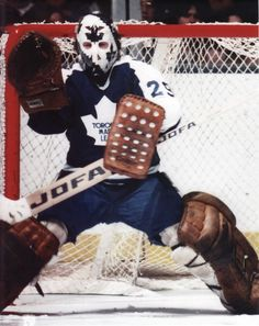 Mike Palmateer- he could do magic, one of my favorites growing up as a kid. Ice Hockey Teams, Hockey Goalie, Hockey Players, Hockey Sport, Toronto Maple Leafs, Nhl, Maple Leafs Hockey, The Sporting Life, Hockey Quotes