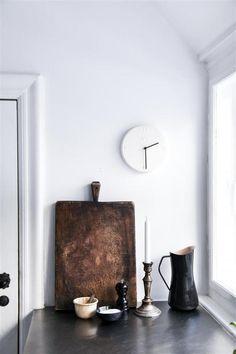 Heute ist der verspäte-dich Tag. Und damit man auch nicht fälschlicherweise zu Früh das Haus verlässt ein Paar schöne Uhren Vorschläge von uns, damit zum verspäteten nichts schief geht <3 Kähler Design Wanduhr Ora Weiß