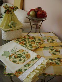 kit de cozinha Applique Towels, Applique Quilts, Kitchen Linens, Kitchen Towels, Dish Towels, Tea Towels, Hand Towels, Quilting Projects, Sewing Projects
