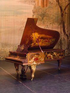 Russian Royal Family last Tsarina Grand Piano