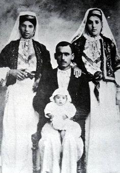 عائلة، دير ياسين، فلسطين ١٩٢٧ Family, Deir Yassin, Palestine 1927 Familia, Deir Yassin, Palestina 1927