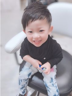 【2019年夏】メンズ|ベリーショート キッズの髪型・ヘアアレンジ|人気順|ホットペッパービューティー ヘアスタイル・ヘアカタログ Baby Boy Haircuts, Boy Hairstyles, Kids Cuts, Animals For Kids, Toddler Boys, Cute Kids, Hair Cuts, Hair Styles, Pets