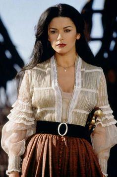 Katherine Zeta-Jones es Elena en La Máscara del Zorro (1998)Diseño vestuario Graciela Mazón