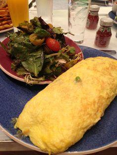 """Os americanos e suas porções """"modestas"""". Aí você pede um omelete e o cara traz uns 20 ovos."""