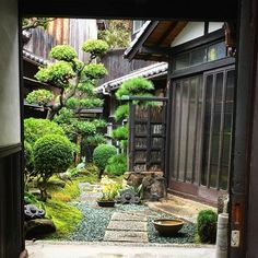 Most Beautiful Zen Garden Styles to Improve Your Home with Peaceful and Harmonious Natural Arts Zen Garden Design, Japanese Garden Design, Japanese House, Landscape Design, Japanese Gardens, Japan Garden, Little Gardens, Rooftop Garden, Garden Pictures