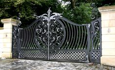 Custom Decorative Wrought Iron Gate picture from Qingdao Dehong Industry and Trade Co. view photo of Driveway Gate, House Main Gate, Steel Gate. Wrought Iron Gate Designs, Wrought Iron Decor, Wrought Iron Fences, Iron Gates Driveway, Iron Garden Gates, Garden Gates For Sale, Gates And Railings, Iron Railings, Tor Design