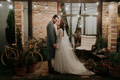 Mini wedding rústico e aconchegante no final da tarde em Santa Catarina – Graziela Wedding Dresses, Mini, Fashion, Groom Shoes, Bride Groom Dress, Small Weddings, Santa Catarina, City, Engagement