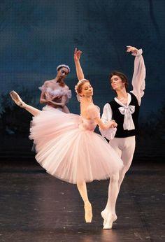 Evgenia Obraztsova and Klim Efimov in Les Sylphides
