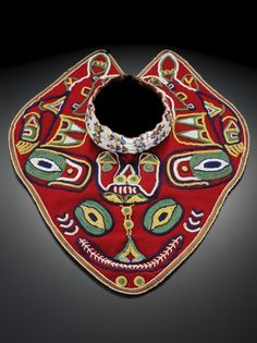 Tlingit dance collar with bear design circa Alaska. National Museum of the American Indian (Smithsonian) American Indian Art, Native American Indians, Native Americans, Textiles, Arte Haida, Inuit Art, Tlingit, Native American Beadwork, Native Art