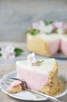 Sernik truskawkowy bez pieczenia - niebo na talerzu Vanilla Cake