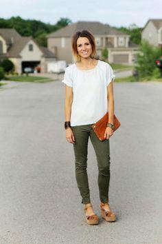 Denim tee + olive skinny jeans + sandals [ok i really need olive skinnies NOW]