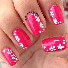 Nail Hawaiian Flowers | Pink with Hawaiian flower design