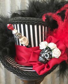 Jour de la mort Mini Top Hat Alice au pays des par ChikiBird