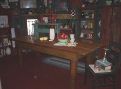 Here is a pic, of a 7' Rustic Prim , farm table, we built this weekend, and moved up to my shop