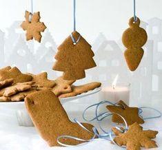 Από τη Σουηδία μας έρχονται αυτά τα χριστουγεννιάτικα μπισκότα με μπαχαρικά! Βάρος: περίπου 1.200 γρ. , Προετοιμασία: 15΄, Αναμονή: 1 νύχτα, Ψήσιμο: 12΄-15΄ Υλικά 150 γρ. βούτυρο αγελάδας, τεμαχισμένο 125 γρ. ζάχαρη λευκή, κρυσταλλική 75 γρ. ζάχαρη καστανή, κρυσταλλική 1 αυγό Cookie Desserts, Fun Desserts, Cookie Recipes, Christmas Dishes, Christmas Art, The Kitchen Food Network, Greek Sweets, Biscuit Cookies, Sweet And Salty