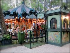 Le Carousel, Bryant Park, NYC, www.RevWill.com