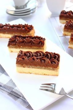 Skills Needed To Become A Patisserie Chef Gourmet Desserts, Mini Desserts, Just Desserts, Delicious Desserts, Dessert Recipes, Pastry Recipes, Baking Recipes, Chocolate Sweets, Dessert Decoration