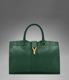 Medium YSL Cabas Chyc in Dark Green Leather - Perfect Transition in to fall and winter Ysl Bag, Dream Baby, Womens Purses, Green Leather, Retail Therapy, Michael Kors Hamilton, School Bags, Yves Saint Laurent, Dior