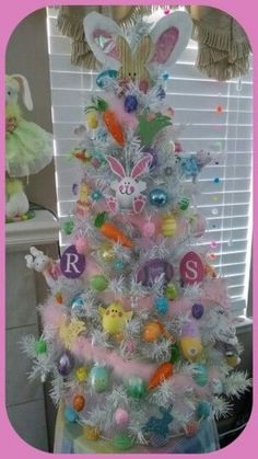 easter decorations 455074737350695739 - 21 Easter egg tree decorations ideas that are cheerful & charming – Hike n Dip Source by Easter Tree Decorations, Easter Wreaths, Easter Centerpiece, Thanksgiving Decorations, Easter Projects, Easter Crafts, Easter Ideas, Bunny Crafts, Diy Osterschmuck