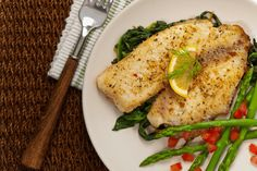 Add Some Fish To Your Dish: Garlic Tilapia - Page 2 of 2 - Recipe Roost How To Cook Cod, How To Cook Tilapia, How To Cook Steak, Baked Catfish, Baked Tilapia, Fish Recipes, Seafood Recipes, Best Tilapia Recipe, Chicken