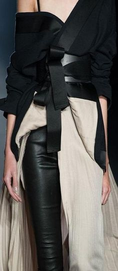 Wrap jacket & belt with pleated skirt & leather pants; fashion details // Haider Ackermann More : Wrap jacket & belt with pleated skirt & leather pants; Fashion Details, Look Fashion, Runway Fashion, High Fashion, Fashion Show, Womens Fashion, Couture Details, Modern Fashion, Black And White Outfit
