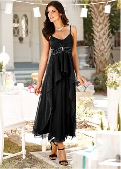 Maxikleid schwarz - BODYFLIRT jetzt im Online Shop von bonprix.de ab ? 43,99 bestellen. Elegantes Abendkleid mit Brosche unter der Brust.