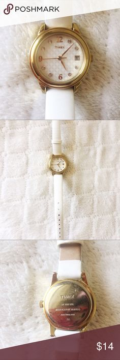 Timex goldtone watch • cute & casual to add a flash of gold to your outfit! ✨ • rhinestone details on the face of the watch  • worn a few times but in great condition  ⚠️ DOES need a new battery!! you can buy it from any watch/jewelry counter  ❌ no trades  ❣️offers welcome! Timex Accessories Watches