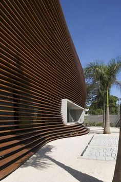 Loducca Office building in São Paulo, Brazil by Triptyque