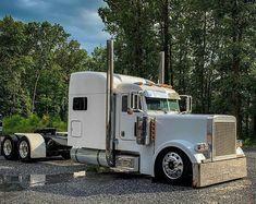 Big Rig Trucks, Semi Trucks, Cool Trucks, Peterbilt 379, Peterbilt Trucks, Heavy Truck, Diesel Trucks, Custom Trucks, Buses