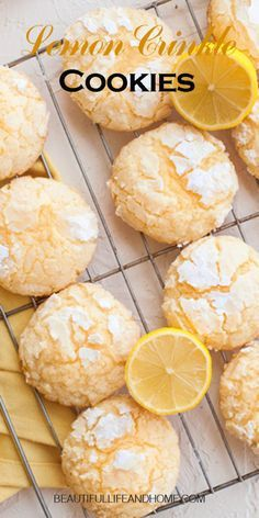 "These addictive Lemon Crinkle Cookies will disappear before your very eyes! Great lemon flavor paired with perfectly sweet cookies. If you love lemon, these cookies are next on your ""to bake"" list! Cheesecake Oreo, Cheesecake Recipes, Easy Gluten Free Desserts, Easy Desserts, Pavlova, Lemon Crinkle Cookies, Lemon Cookies, Sweet Cookies, Recipes"
