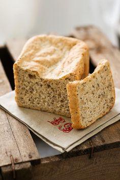Leinsamen-Hirse-Brot | http://eatsmarter.de/rezepte/leinsamen-hirse-brot