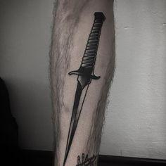 Blackwork style dagger tattoo inked on the left calf Badass Tattoos, Leg Tattoos, Cool Tattoos, Tatoos, Knife Tattoo, Dagger Tattoo, Tatto For Men, Tattoos For Guys, Vegas Tattoo