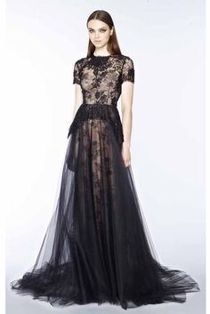 Marchesa Pre-Fall 2015 Fashion Show Runway Fashion, High Fashion, Fashion Show, Fashion Design, Marchesa, Traje Black Tie, Pretty Dresses, Beautiful Dresses, Haute Couture Style