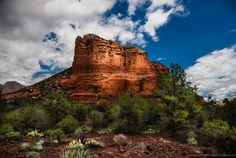 The sunlight on the face of this Sedona Red Rock was changing by the nanosecond, maybe the nearby vortex had some effect on this too, and I waited until it was fully lit up. Sedona Red Rock, Sedona Arizona, Park Weddings, Wedding Locations, Geology, State Parks, Monument Valley, Beautiful Places, Places To Visit
