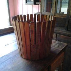 Cachipou de madeira de demolição