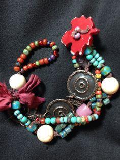 Autumn bracelet with leaf button closure