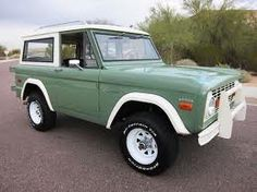 Idk if this is a Bronco, or something else, but i WANT it.