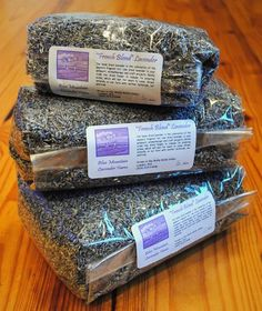 Okay... not a fan of lavender... but this would be an amazing idea. Instead of bubbles or rice, throw out seeds that animals can eat, or they can grow. <3 Much more eco-friendly if you ask me.