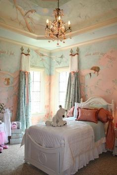 .......what a gorgeous little girl's room...