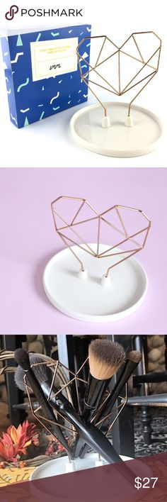 """  imm Living   Coxet Wire Ceramic Jewelry Holder **Named for a famous Canadian geometer who believed geometry is intrinsically linked to music. Featuring rose gold metal frames with porcelain, this minimalistic collection of jewelry holder and pencil holder will hit all the right notes in your home. <3     * Material: Porcelain & Copper     *Size: 5"""" x 5"""" x 7""""     *Color: White & Copper     *Heart *Originally: $30.50  - Ask all questions prior to purchasing. - Fast Shipment from NC…"""