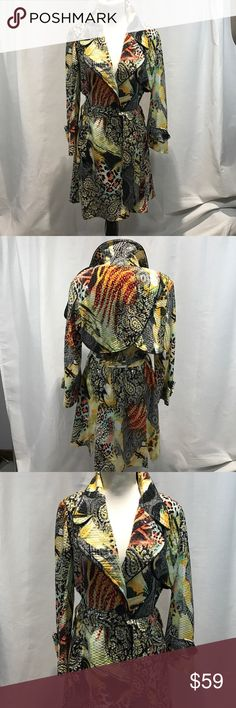 """IC Collection Sz S Raincoat w Belt Shiny Textured Pattern Raincoat or Topper w one button closure and Belt.  2 side pockets.  Slits in back of coat.  96% Polyester, 4% Spandex, Lining 100% Polyester. Bust-34""""-36"""". Length 35"""" ic Collection Jackets & Coats"""