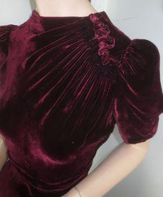 Vintage Garnet Velvet Dress - Cut on The Bias Silk Velvet Holiday Dress sz Small by delilahsdeluxe on Etsy Vestidos Vintage, Vintage Dresses, Vintage Outfits, 1940s Fashion, Vintage Fashion, Vetement Fashion, Velvet Fashion, Vintage Velvet, Dress Cuts