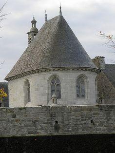 Saint-Vougay (29) Château de Kerjean Chapelle