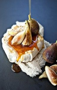 Swap out a standard cheese plate for this delicious treat! Grilled soft cheese, thyme honey, fresh figs -- yum, yum! #wedding #food