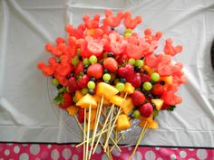 Minnie Mouse party food fruit kabobs