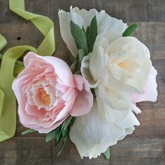 Make these gorgeous crepe peonies with the tutorial and template. Perfect for summer weddings.